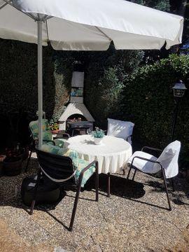 Gartensitzgruppe, 9-teilig, 4 Stühle Niedriglehner inkl. Kissen, 1 runder Tisch 105cm, 50,-- Euro