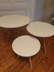 Drei Tische