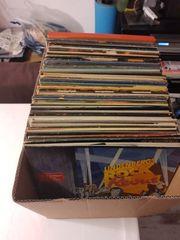 Schallplatten eine ganze Kiste voll