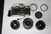 fast 40-Jährige Fotokamera Yashica FX