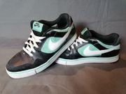 Nike Schuhe gr 43 Original