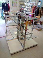 Mittelraumpräsenter Warenträger Ladeneinrichtung Chrom Glas