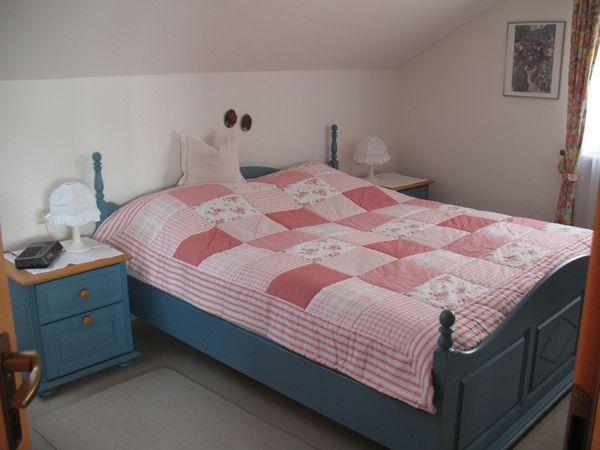 Doppelbett Landhausstil Pinienholz blau-natur mit