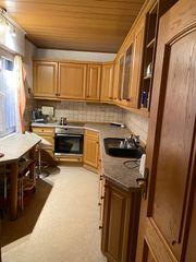 Einbauküche mit neuem Herd Kühlschrank