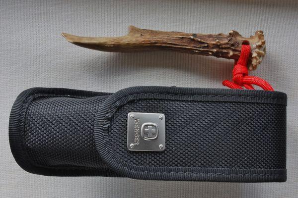 """Wenger \""""Ranger\"""" Taschenmesser, Jagdmesser, unbenutzt in einer Wenger Gürteltasche"""