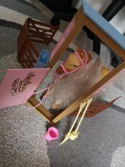 Barbie Pferd mit Stall und
