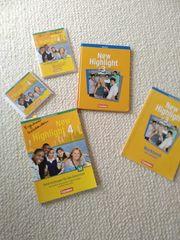 Schulbücher und Material