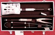Gutes Edelstahl-Marken-Grillbesteck 3teilig in Aluminium-Koffer unbenutzt