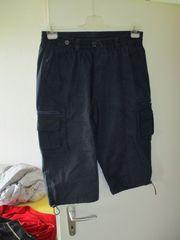 dunkelblauer Short