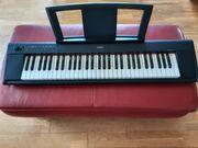 Yamaha NP11 E-Piano
