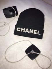 Blogger Mütze Chanel Look Neu