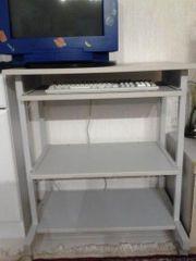 Gut erhaltener stabiler Büro Computertisch
