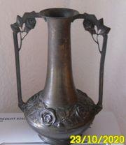 Originale Jugendstil-Vase mit Rosenmuster