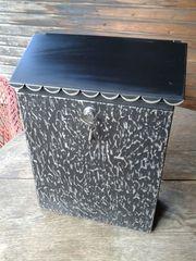 Briefkasten schwarz aus Metall