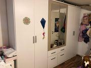 Schrank - Kleiderschrank - groß mit Spiegel