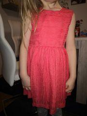 Kleid Zara passt mit 110