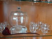 Glas-Bowle-Set mit zwölf Gläsern abzugeben