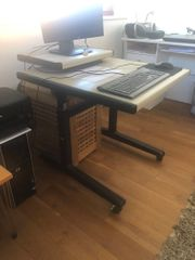 PC - Tisch