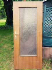Holztür mit und ohne Glas