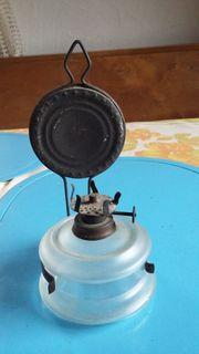 Verkaufe eine alte Petroliumlampe