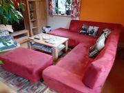 Chillige rote Couchlandschaft
