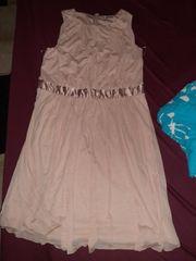 schickes lockeres kleid