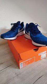 Nike Schuhe Neue in Herzogenaurach Bekleidung