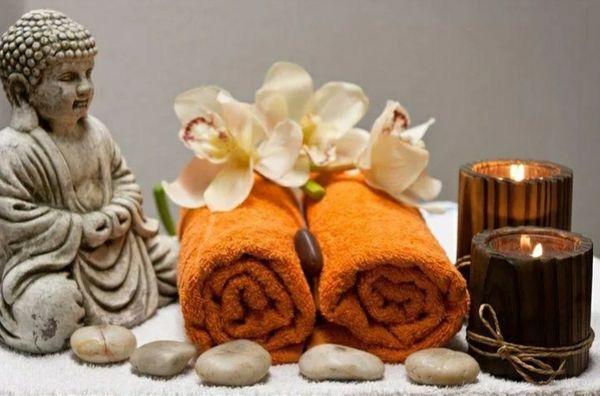 Wohltuende Entspannungsmassagen für Frauen und