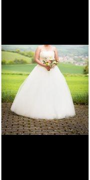 Prinzessinen Brautkleid mit Glitzertüll