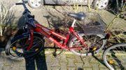 Rotes Fahrrad zu verkaufen