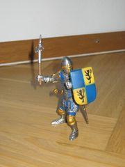 Schleich Ritter Fußsoldat mit Kriegshammer