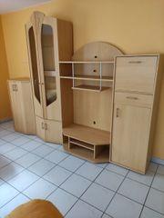 Möbel aus Wohn und Schlafzimmer