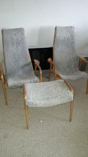 2 Sessel 1 Fusshocker von