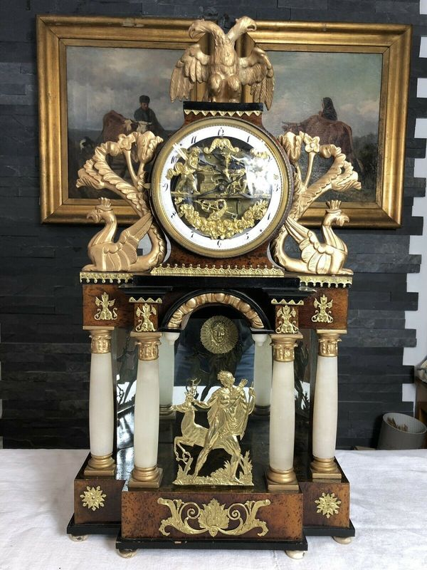 Schmied und Schleifer Empire Uhr