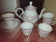 Süßes Kaffeeservice in rosa