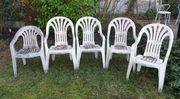 5 Plastikstühle - Gartenstühle