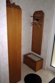 Garderobe aus Eschenholz