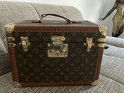 Original Louis Vuitton Beauty Case