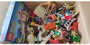 Lego und Playmobil gemischt Figuren