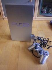 PS2 Spielekonsole mit Zubehör und