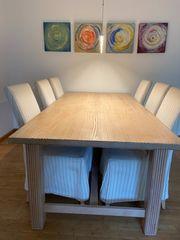 Esszimmertisch und Stühle plus Kommode