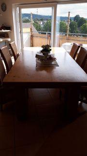 Massivholztisch mit 6 Stühlen und