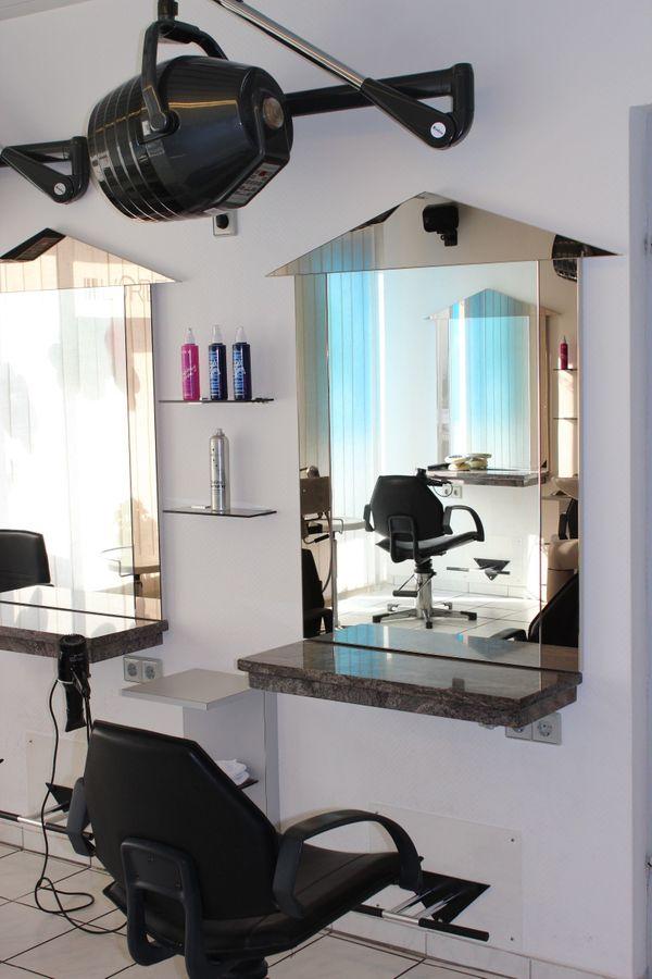 5 x Friseurplatz Friseureinrichtung Kosmetik