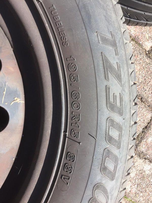 Stahlfelgen 15 Zoll - Schwegenheim - Stahlfelgen (15 Zoll) zu verkaufen. Die Reifen sind nicht mehr fahrbereit und müssten gewechselt werden. - Schwegenheim