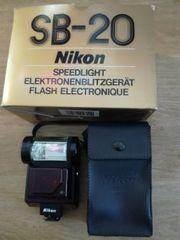Nikon SB-20 Elektronenblitzgerät Speedlight