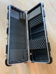 SKB Case Keyboard Gitarre