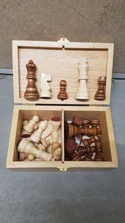 Schachfiguren in Holzbox Ersatzset