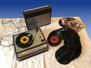 Plattenspieler mit Verstärker und Lautsprecher