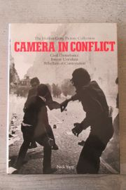 Camera in Conflict Innere Unruhen