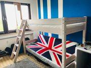 Kinderzimmer Hochbett und Schrank